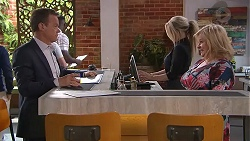 Paul Robinson, Sheila Canning in Neighbours Episode 7783