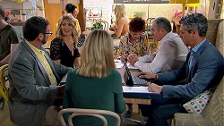 Izzy Hoyland, Susan Kennedy, Karl Kennedy in Neighbours Episode 7786