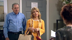 Karl Kennedy, Izzy Hoyland, Susan Kennedy in Neighbours Episode 7787
