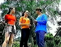 Anne Wilkinson, Debbie Martin, Billy Kennedy in Neighbours Episode 2773