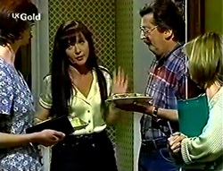 Grace Tripplet, Susan Kennedy, Tom Suleyman, Maureen Suleyman in Neighbours Episode 2782
