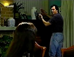 Susan Kennedy, Karl Kennedy in Neighbours Episode 2782