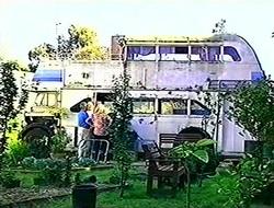 Lou Carpenter, Harold Bishop, Madge Bishop in Neighbours Episode 2783