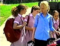 Hannah Martin, Anne Wilkinson, Lisa Elliot in Neighbours Episode 2784