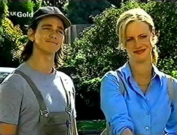 Darren Stark, Lisa Elliot in Neighbours Episode 2784