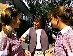 Anne Wilkinson, Susan Kennedy, Hannah Martin in Neighbours Episode 2785