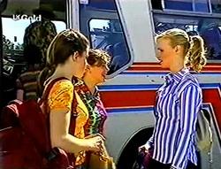 Anne Wilkinson, Hannah Martin, Lisa Elliot in Neighbours Episode 2785