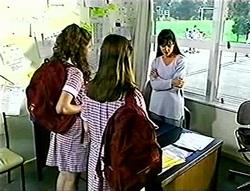 Hannah Martin, Anne Wilkinson, Susan Kennedy in Neighbours Episode 2786