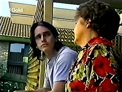 Darren Stark, Marlene Kratz in Neighbours Episode 2787