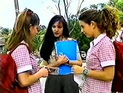 Anne Wilkinson, Susan Kennedy, Hannah Martin in Neighbours Episode 2787