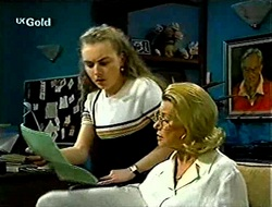 Debbie Martin, Helen Daniels in Neighbours Episode 2789