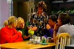 Tess Bell, Dee Bliss, Lyn Scully, Joe Scully, Drew Kirk in Neighbours Episode 3638