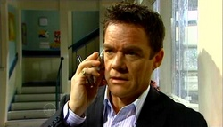 Paul Robinson in Neighbours Episode 4698