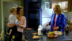Oscar Scully, Lyn Scully, Janelle Timmins in Neighbours Episode 4698