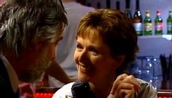 Gary Evans, Susan Kennedy in Neighbours Episode 4700