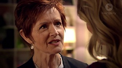 Susan Kennedy, Izzy Hoyland in Neighbours Episode 7792