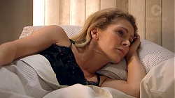 Izzy Hoyland in Neighbours Episode 7793
