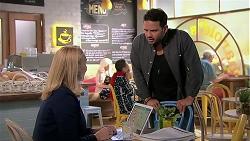 Sue Parker, Rafael Humphreys in Neighbours Episode 7796