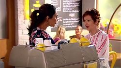 Dipi Rebecchi, Susan Kennedy in Neighbours Episode 7799