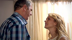 Karl Kennedy, Izzy Hoyland in Neighbours Episode 7802