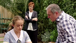 Holly Hoyland, Susan Kennedy, Karl Kennedy in Neighbours Episode 7803