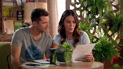 Mark Brennan, Elly Conway in Neighbours Episode 7804