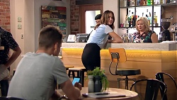 Mark Brennan, Elly Conway, Sheila Canning in Neighbours Episode 7804