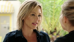 Steph Scully, Xanthe Canning in Neighbours Episode 7804
