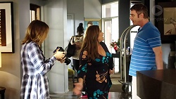 Piper Willis, Terese Willis, Gary Canning in Neighbours Episode 7805