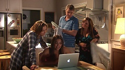 Piper Willis, Paige Novak, Gary Canning, Terese Willis in Neighbours Episode 7805
