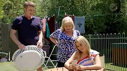 Gary Canning, Sheila Canning, Xanthe Canning in Neighbours Episode 7806