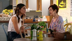 Elly Conway, Susan Kennedy in Neighbours Episode 7808