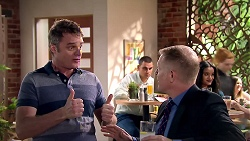 Gary Canning, Clive Gibbons in Neighbours Episode 7809