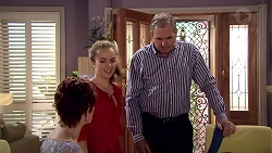 Susan Kennedy, Holly Hoyland, Karl Kennedy in Neighbours Episode 7809