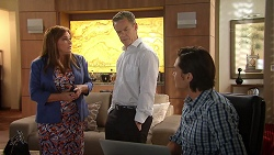 Terese Willis, Paul Robinson, Leo Tanaka in Neighbours Episode 7811