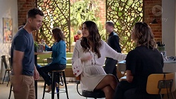 Mark Brennan, Elly Conway, Amy Williams in Neighbours Episode 7813