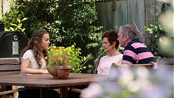 Holly Hoyland, Susan Kennedy, Karl Kennedy in Neighbours Episode 7813