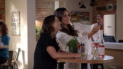 Amy Williams, Elly Conway in Neighbours Episode 7813