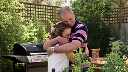 Holly Hoyland, Karl Kennedy in Neighbours Episode 7813