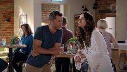 Mark Brennan, Elly Conway in Neighbours Episode 7813