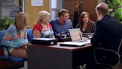 Xanthe Canning, Sheila Canning, Gary Canning, Terese Willis, Clive Gibbons in Neighbours Episode 7815