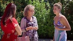 Dipi Rebecchi, Jane Harris, Chloe Brennan in Neighbours Episode 7816