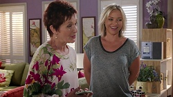 Susan Kennedy, Steph Scully in Neighbours Episode 7817