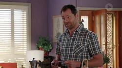 Shane Rebecchi in Neighbours Episode 7817