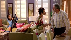 Elly Conway, Susan Kennedy, Karl Kennedy in Neighbours Episode 7818