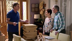 Gary Canning, Susan Kennedy, Karl Kennedy in Neighbours Episode 7820