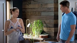 Chloe Brennan, Mark Brennan in Neighbours Episode 7821