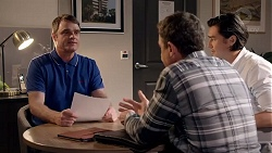 Gary Canning, Paul Robinson, Leo Tanaka in Neighbours Episode 7821