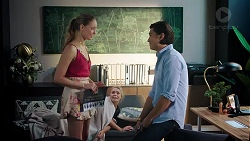 Chloe Brennan, Xanthe Canning, Leo Tanaka in Neighbours Episode 7823
