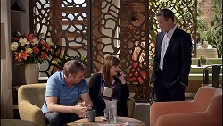 Gary Canning, Terese Willis, Paul Robinson in Neighbours Episode 7825